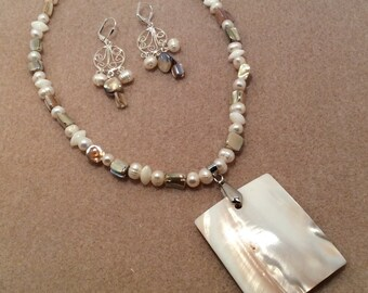 Shell and pearl Jewelry Set