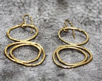 Gold Hammered Circle Earring, Gold Circle Earrings, Hooks Earrings, Everyday Gold Earring, Dangle Circle Earrings, Everyday Dangle Earrings