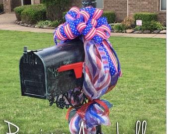 Patriotic Mailbox Decor