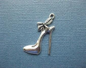 10 High Heel Shoe Charm- High Heel Shoe Pendant -  Shoe Charm - Shoe Pendant - Stiletto - Antique Silver - 31mm x 21mm  --(No.108-10996)