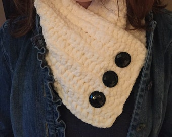 Country Chic Chunky and Soft Off-White Cowl with Buttons