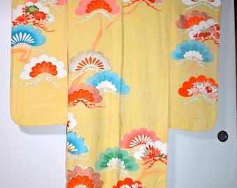On SALE! Vintage Silk Kimono Furisode / 110