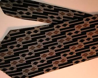 80,  Surrey Necktie