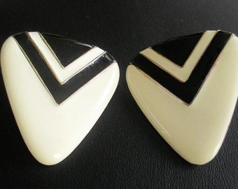 Retro black and white Earrings, Retro Earrings, Pierced Earrings
