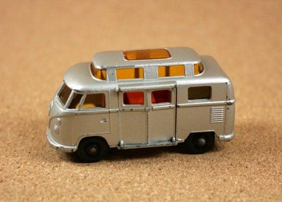 MATCHBOX No. 34 Volkswagen Camper 1967 Silver Camper Diecast