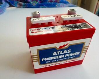 Atlas  Car Battery Design   AM  Transistor Radio