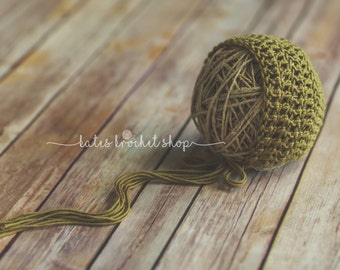 Green Bonnet Photography Prop