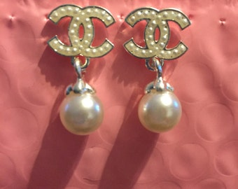 Valentine's Day Sale!! Pearl Stud Earrings