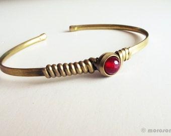 Ethnic bracelet - pink raspberry - adjustable - minimalist-