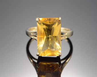 14K Vintage 9.00 CT Citrine Ring - Size 7 / Yellow Gold - EM1293