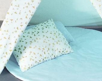2 Pillows, 2 cushions