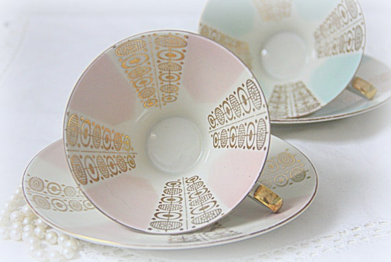 Set of Two Vintage Bavaria Tirschenreuth Porcelain Teacup and Saucers, Germany