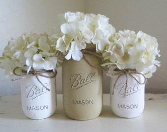 Mason Jar Centerpieces, Rustic Home Decor, Wedding Tabletop Flower Arrangment Vases, Distressed Mason Jars, Painted Ball Jars, Country Decor