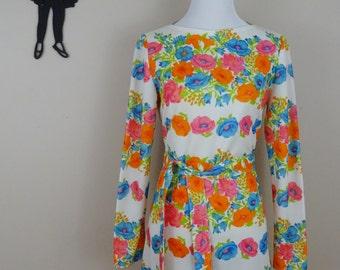Vintage 1960's Floral Dress / 60s Polyester Day Dress S  tr