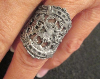 Vintage ROMANESQUE ring, very different, adjustable, 1960's, never worn