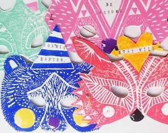Reh Tier PARTY Maske mit Stempel Sprüchen • Hochzeit Carneval Fasching Geburtstag Verkleidung Geschenk • Linoldruck Pink braun handgemacht