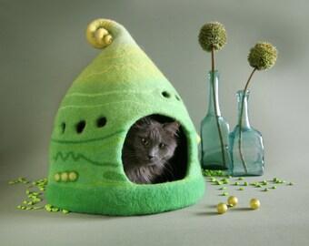 Сat cave, Сat house, Сat bed, Pet bed, Lime cat cave, Green yellow lime cat cave, Felt cat cave