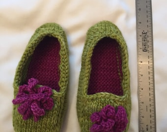 Woman's Knitted Slippers - Green/Pink