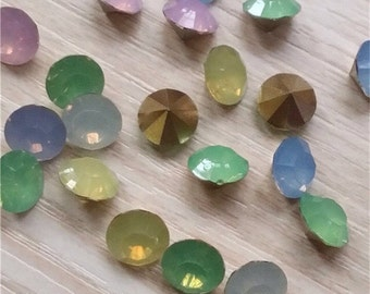 50pcs Mixed Colors 6mm Faceted Crystal Chatons Acrylic Jewelry Making Supplies Design Wholesale (ID Gem-1)