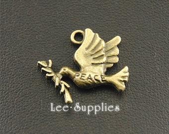 20pcs Antique Bronze Metal Peace Dove Charms Pendant A1377