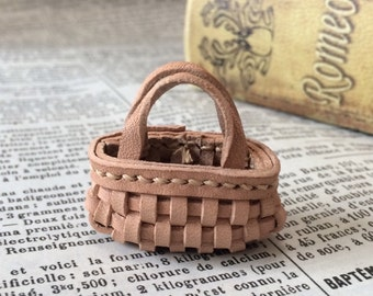 Real leather: miniature mesh bag [natural]