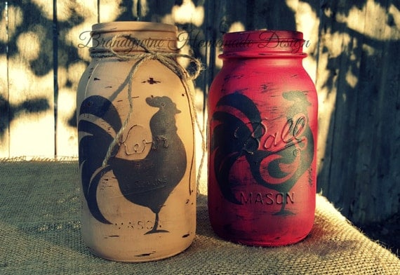 7 Inspiring Kid Room Color Options For Your Little Ones: Distressed Mason Jar Chalk Painted Rooster Stencil Design
