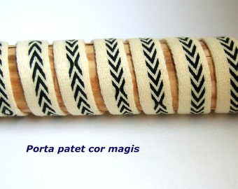 Tablet woven green arrows on yellow, handwoven, pure wool, medieval clothing reenactors, vikings dark ages, larp clothing
