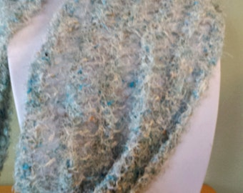 Knit wool scarf in white and blue tones