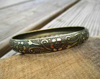 VINTAGE Narrow floral brass vintage bangle bracelet