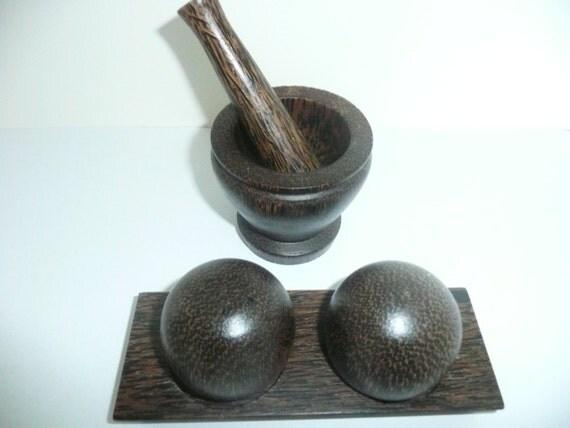 Vintage wooden cruet set salt and pepper shaker condiment - Salt and pepper cruet set ...