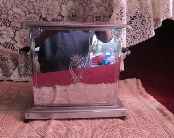 Vintage Decorative Heatmaster Automatic Toaster-Marked down from 30.00 thru 2/29