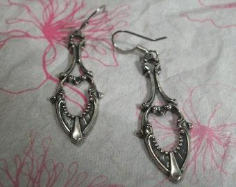 Victorian Dangle Earring Plated in Antique Silver Plate Finish, Filigree Earring, Art Deco Earring