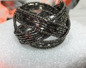 Black Shine Delicate Cuff