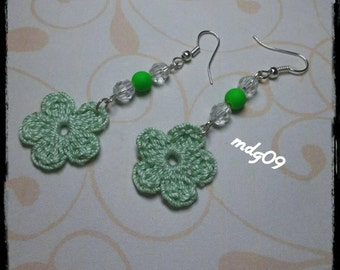 Handmade earrings with crochet flowers