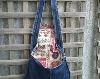 A round bag made from loved jeans
