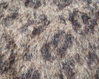 Beautiful wool fabric for jackets... (b)