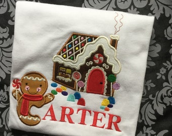 Christmas Gingerbread Man and gingerbread house Personilized shirt