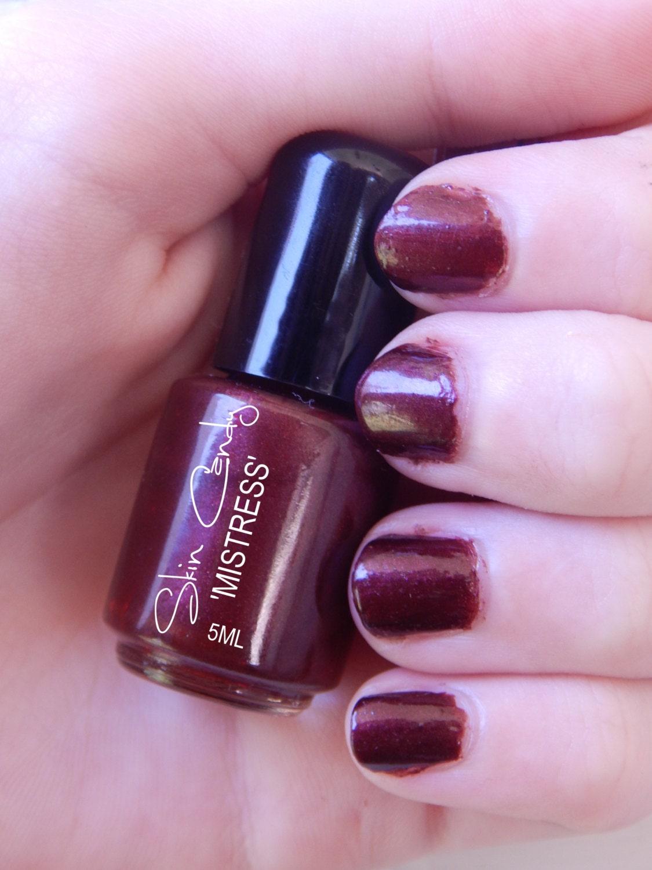 Raisin Burgundy Nail Polish Mistress 5 Free Nail Lacquer