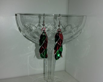 Christmas Earrings - Scale Mail - Tiny scales - Shaggy Chandelier style - Red and Green