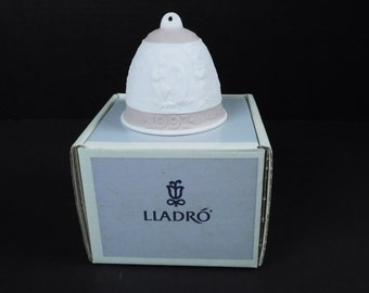 Lladro Porcelain 1991 Christmas Holiday Bell Pink Spain Ornament In Original Box Jesus Birth Bethlehem