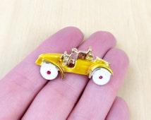 50s Enamel Yellow Car Pin - Yellow Car Brooch - Enamel Brooch - Enamel Pin