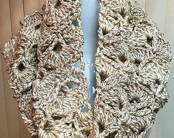 Chunky Beige Hooded Cowl, Beige Cowl Scarf, Chunky Hooded Cowl, Hooded Winter Cowl, Cream Cowl Scarf, Crochet Cowl, Gifts for Her