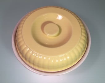 Hall China, Pottery Casserole, Stoneware Dish, Retro Bakeware, Yellow Stoneware, Baking Dishes, Hall Stoneware, Ceramic Kitchenware