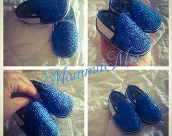 Amazing baby boy shining shoes