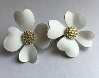Vintage White Petals Clip On Earrings