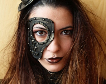 Steampunk/ post apocalyptic mask. fake metal. Cyborg / robot costume. Steampunk costume for halloween and events
