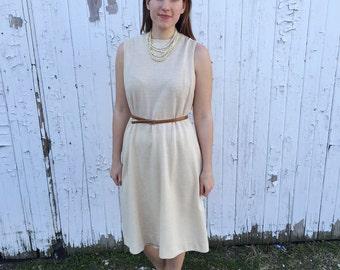 Vintage 1970s tan shift dress / vintage shift dress / vintage office wear