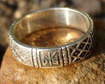 Women's ring with Runes, with signs planted fields and the flower of the fern Ring sterling silver 925 Pagan ring