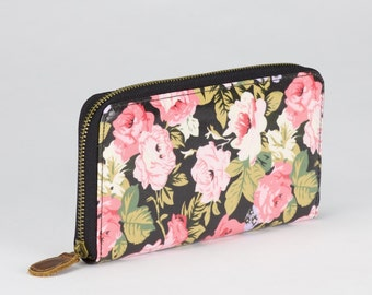 Oilcloth Zip around Wallet - Black rose floral purse - Oil cloth ladies purse- Ladies Zip wallet - Coin purse- Laminated cotton- Iphone Plus