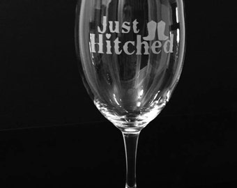 Just Hitched wine glass